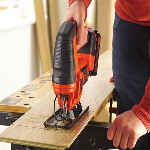 Black and Decker - Seghetto alternativo 18V Litio unit senza batteria e senza caricabatterie - BDCJS18N