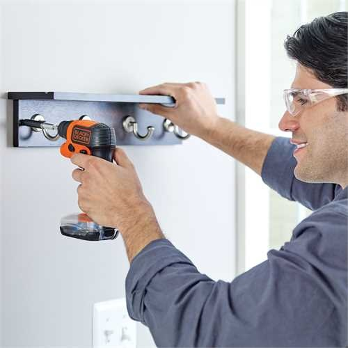 Black and Decker - Svitavvita 36V Litio con base portainserti e torcia integrata - BDCSFS30C