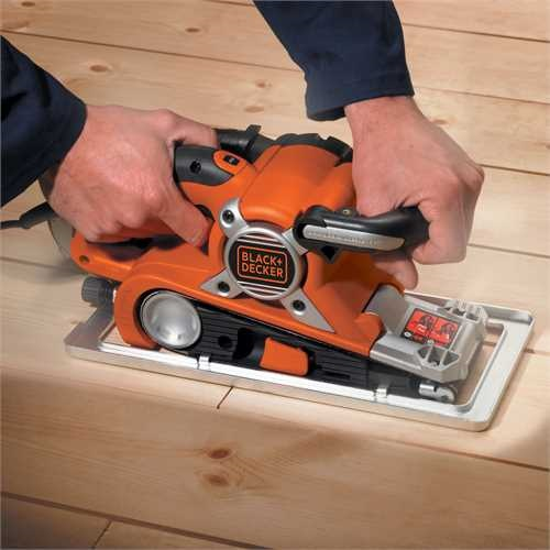 Black and Decker - Levigatrice a nastro 750W foglio 75x533mm in valigetta - KA89EK