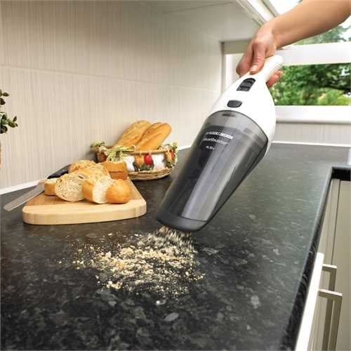 Black and Decker - Dustbuster 48V con accessori in dotazione - NV4820N